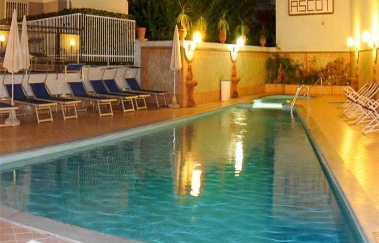 Ascot - Pool - 7