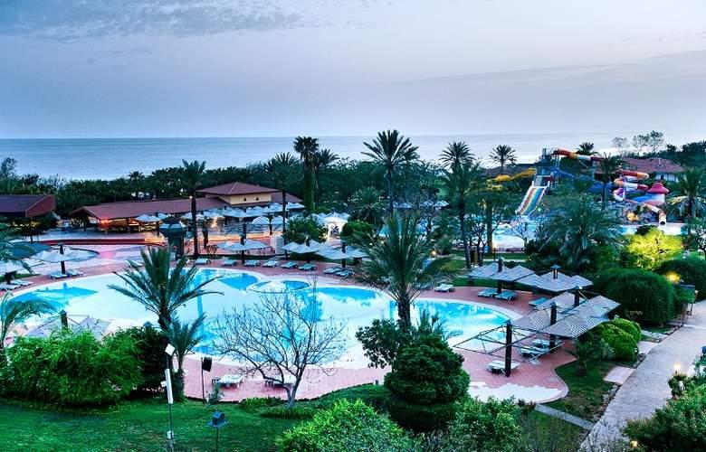 Belconti Resort - Pool - 68