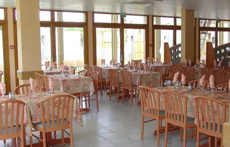Interhotel Les Oliviers - Restaurant - 17