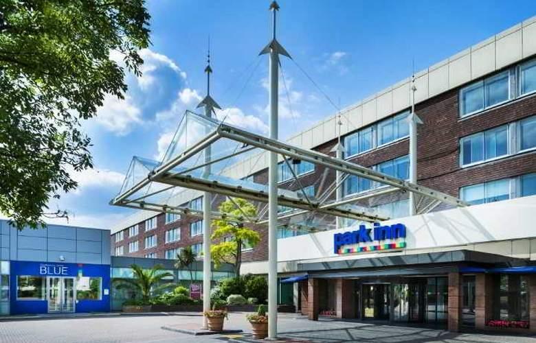 Park Inn by Radisson London Heathrow - Hotel - 9
