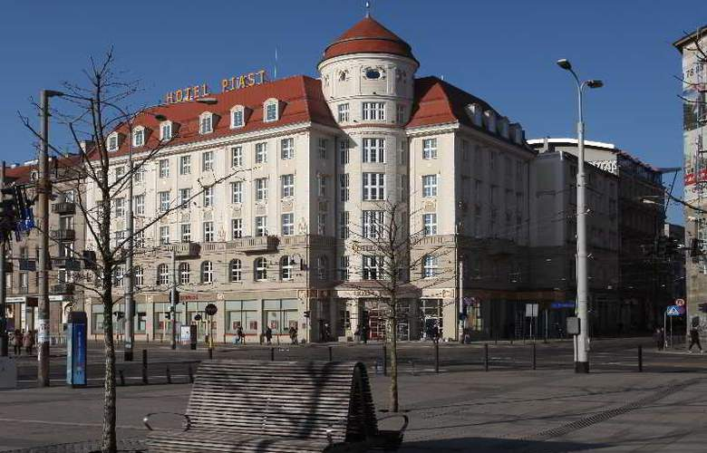 Piast Hotel - Hotel - 0