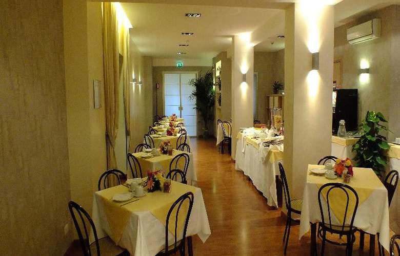 Consul - Restaurant - 22