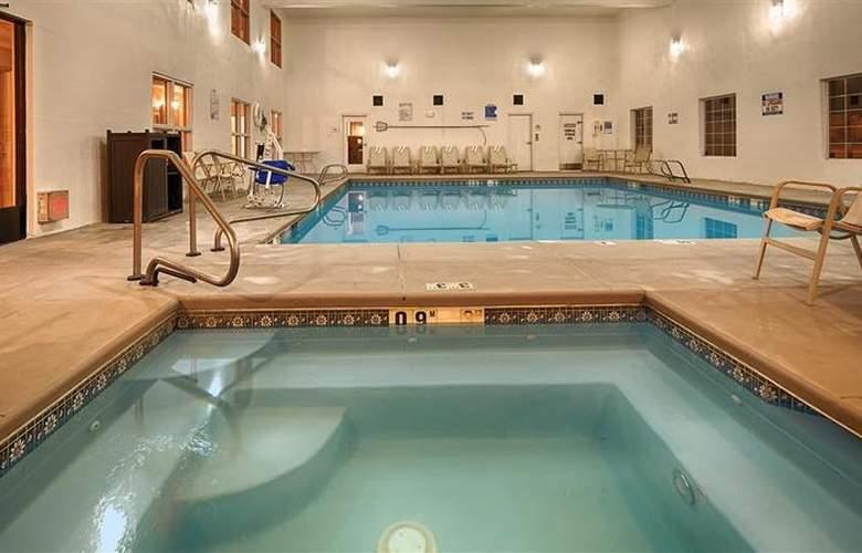 Best Western Plus Executive Suites Albuquerque - Pool - 3