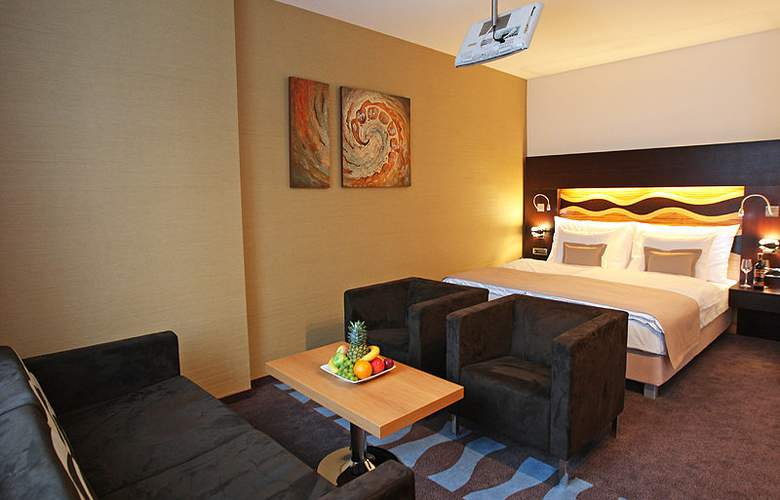 Danubia Gate - Room - 7