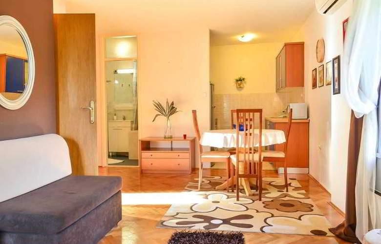 Apartmani Slavica - Room - 12