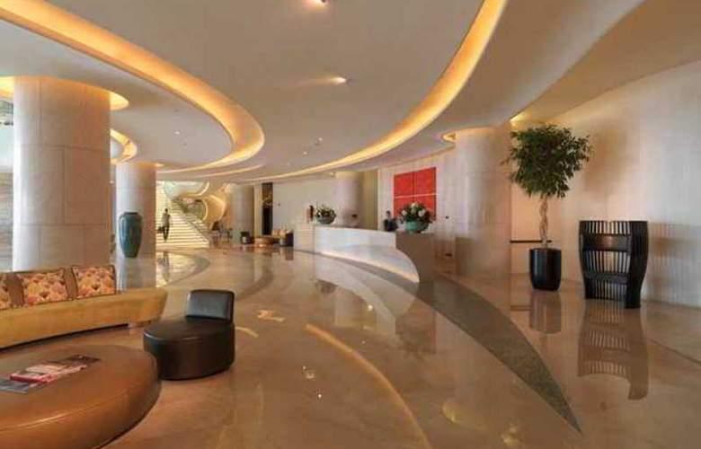 Hilton Capital Grand Abu Dhabi - Hotel - 12