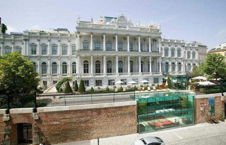 Palais Coburg - Hotel - 0