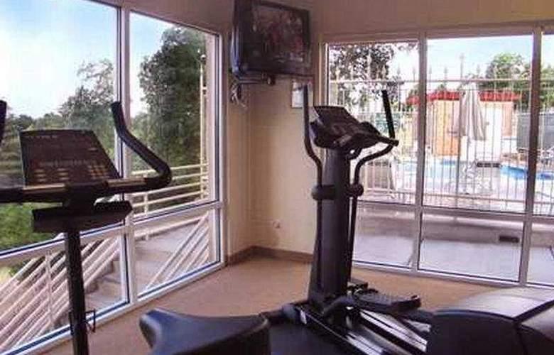 Hilton Garden Inn Redding - Sport - 9