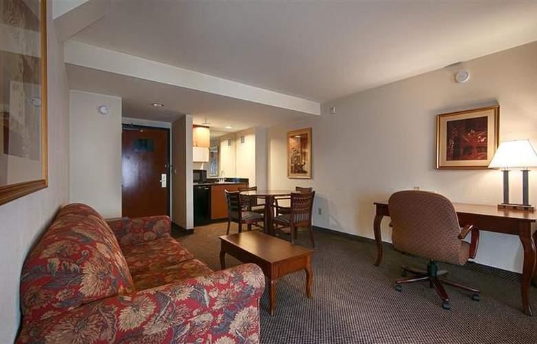 Best Western Plus Coyote Point Inn - Room - 17
