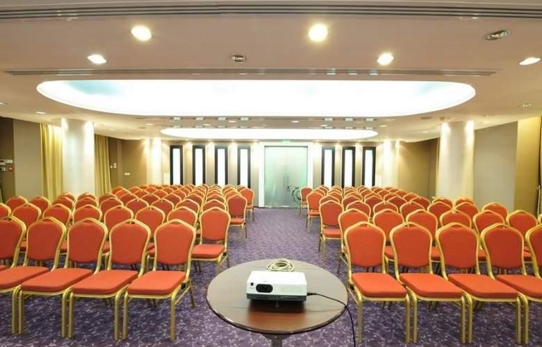 Minerva - Conference - 4
