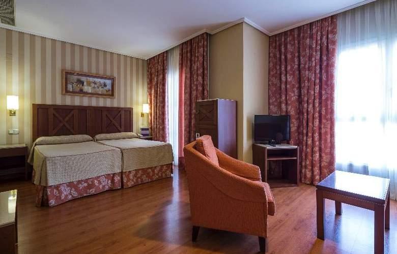 Ilunion Alcora Sevilla - Room - 17