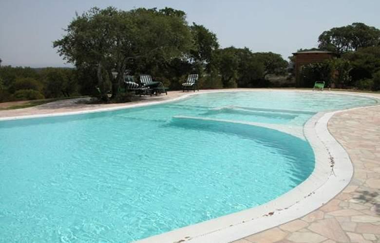 Resort Sa Rocca - Hotel - 4