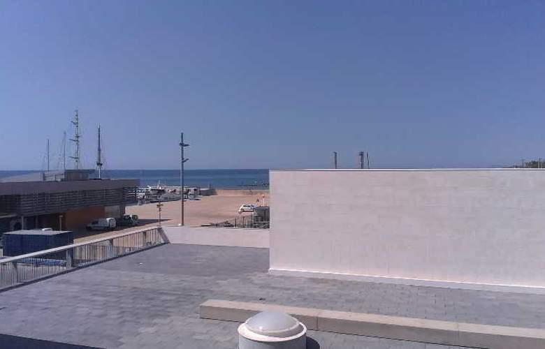 Atenea Port Barcelona Mataro - Hotel - 4