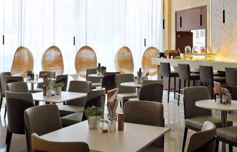 Courtyard by Marriott World Trade Center Abu Dhabi - Restaurant - 8