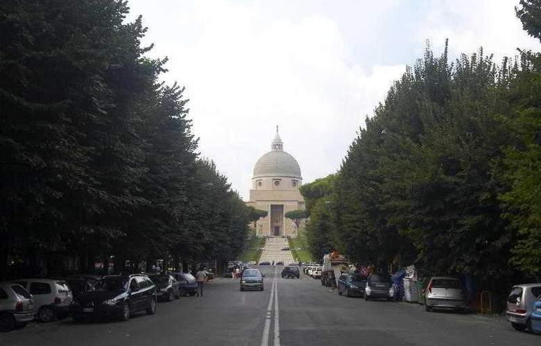 Sheraton Roma - Hotel - 0