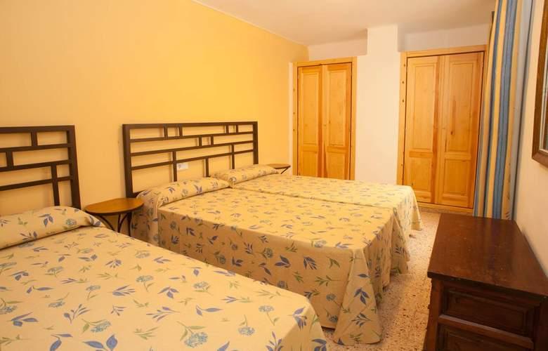 Poniente Playa - Room - 8