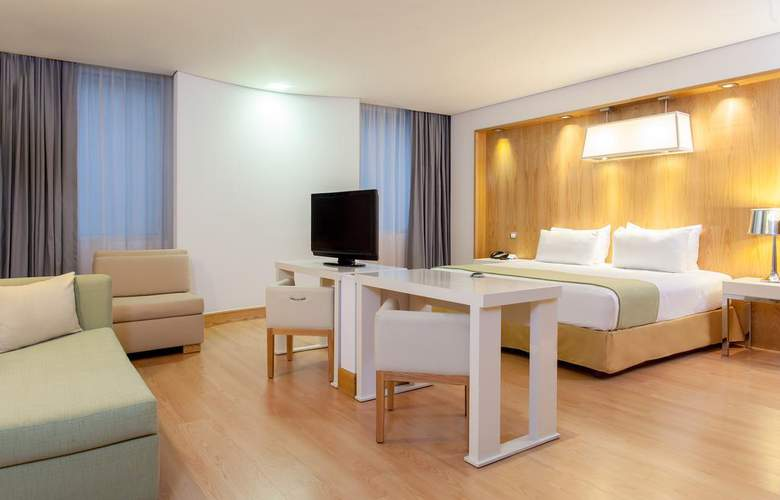 NH Collection Mexico City Airport T2 - Room - 19