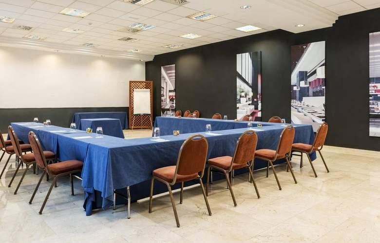 Ilunion Romareda - Conference - 3