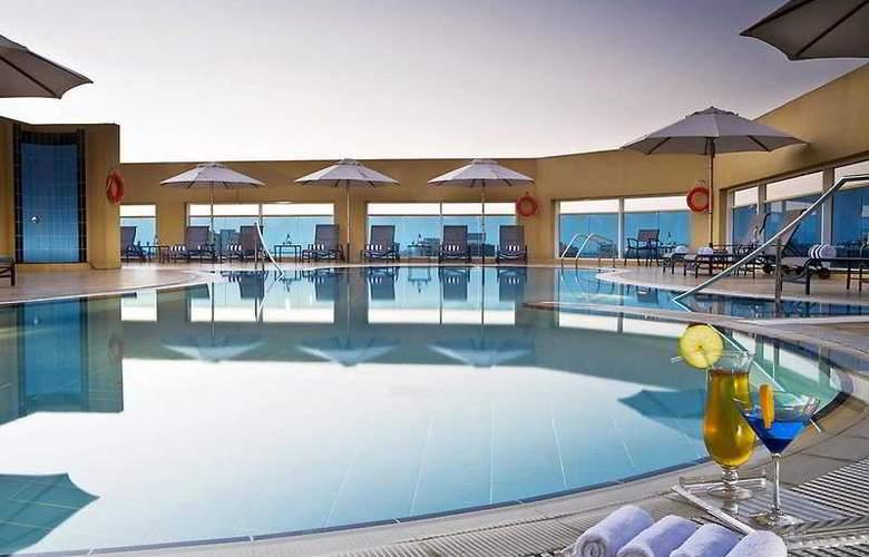 Four Points by Sheraton Downtown Dubai - Pool - 6
