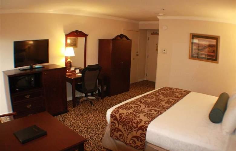 Best Western Plus Inn At The Vines - Room - 9