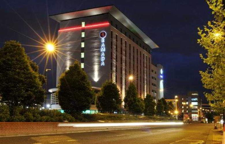 AC Hotel Manchester Salford Quays - General - 3