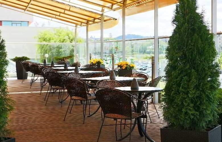Radisson Blu Hotel Lietuva - Terrace - 15