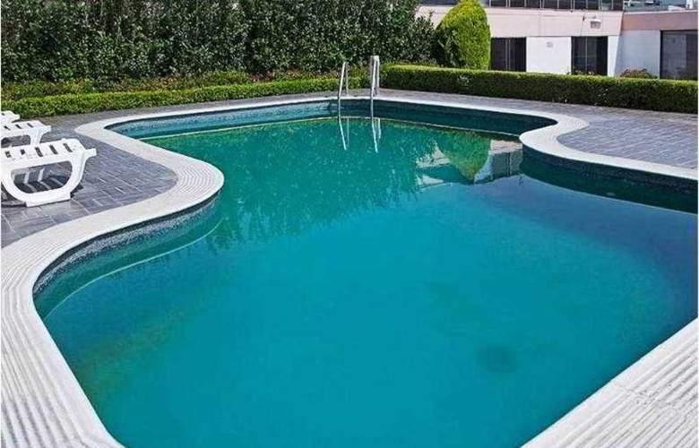 Corinto - Pool - 11