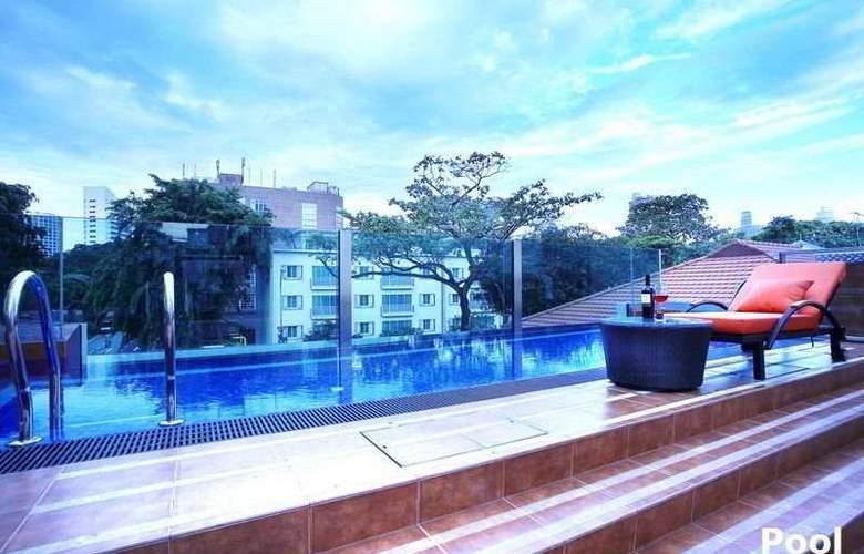 Nostalgia Hotel - Pool - 7