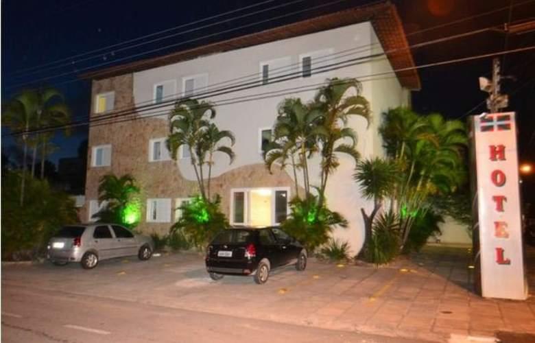 Des Basques - Hotel - 0