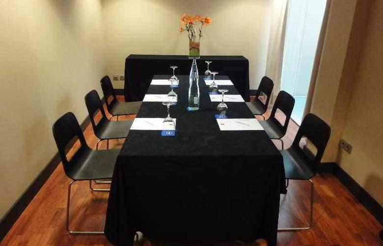 Eurohotel Barcelona Gran Via Fira - Conference - 37