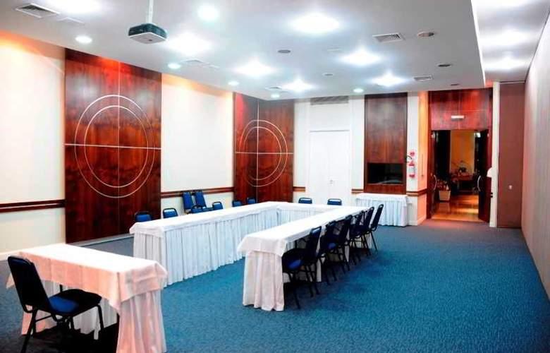 Ambassador Residence Hotel - Conference - 12