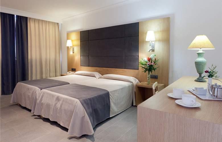 Armadams - Room - 2