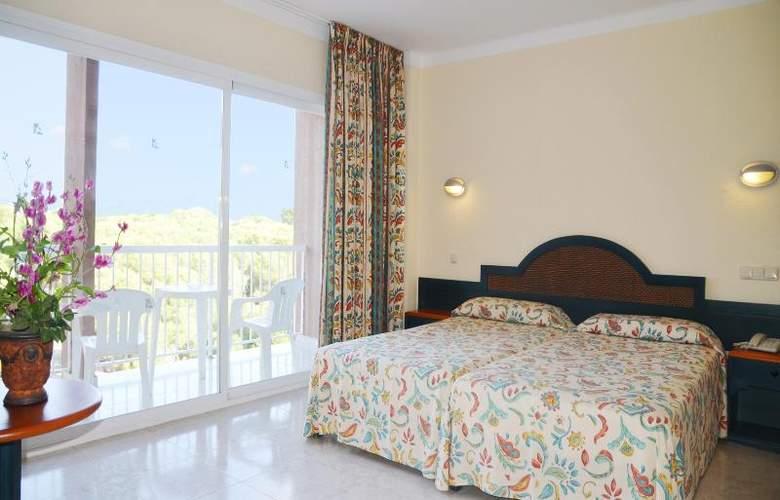 Azuline Coral Beach - Room - 14