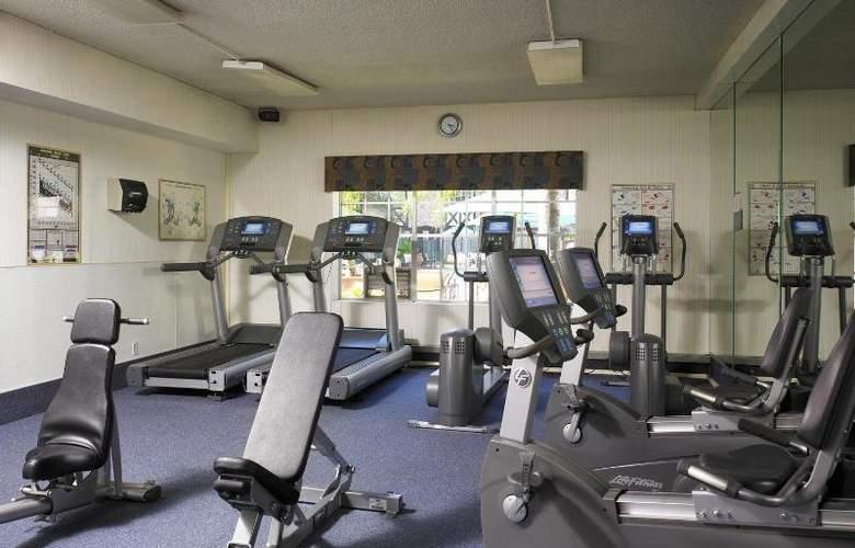 Clarion Hotel Anaheim Resort - Sport - 4