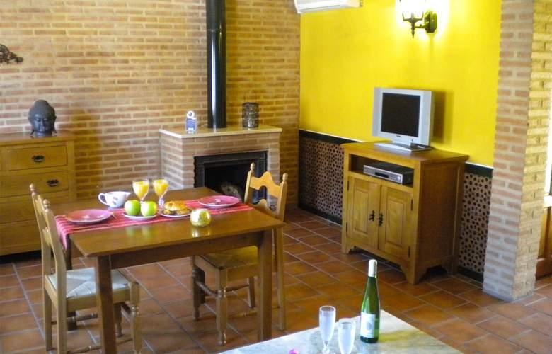 La Estancia - Villa Rosillo - Room - 23