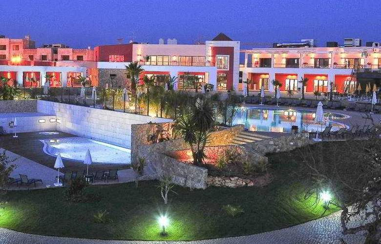 Vitor's Village - General - 1