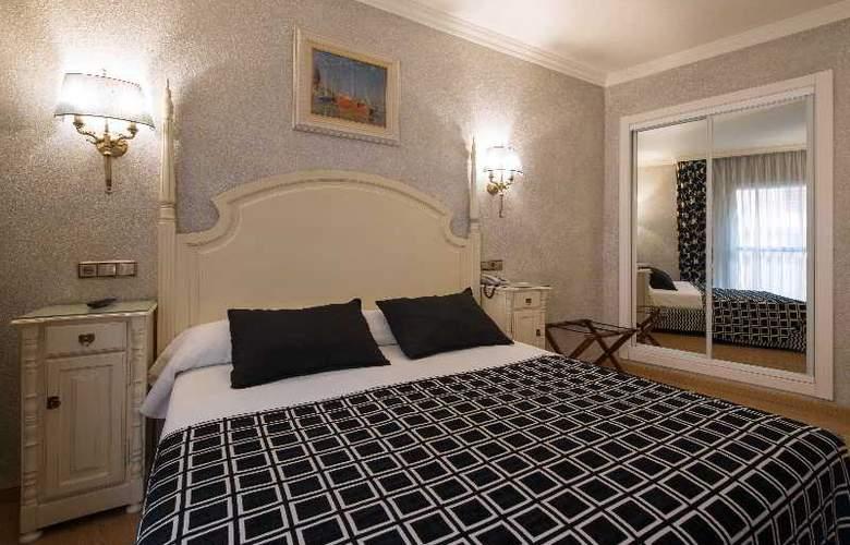 Salles Malaga Centro - Room - 18