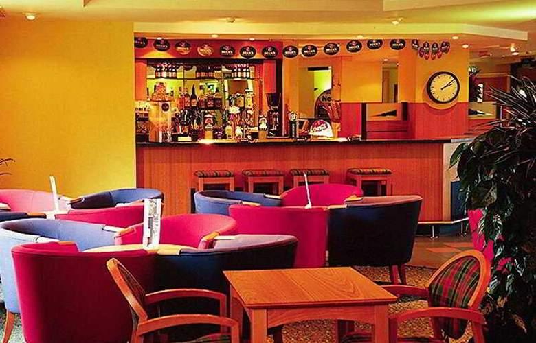 Holiday Inn  Express Birmingham Castle Bromwich - Bar - 3