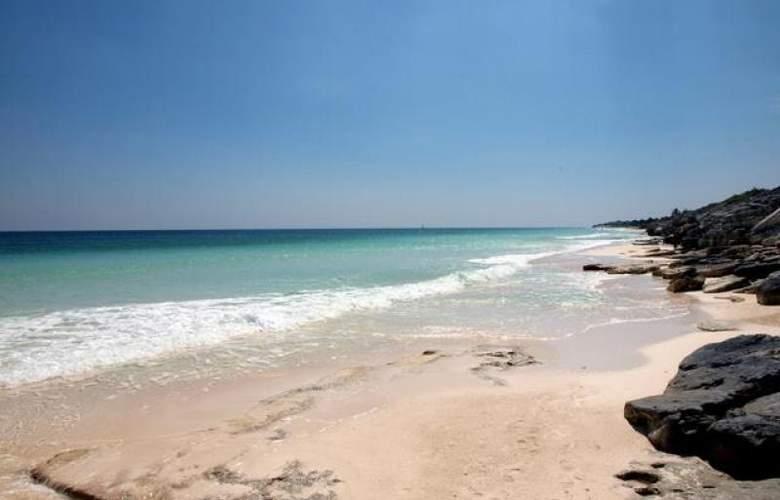 Bella Isla Resort - Beach - 5