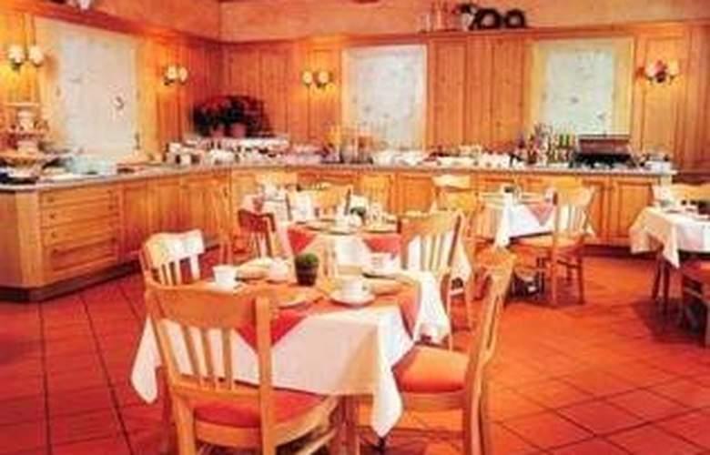 Comfort Hotel am Medienpark - Restaurant - 0