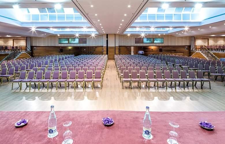 Ilunion Alcora Sevilla - Conference - 26