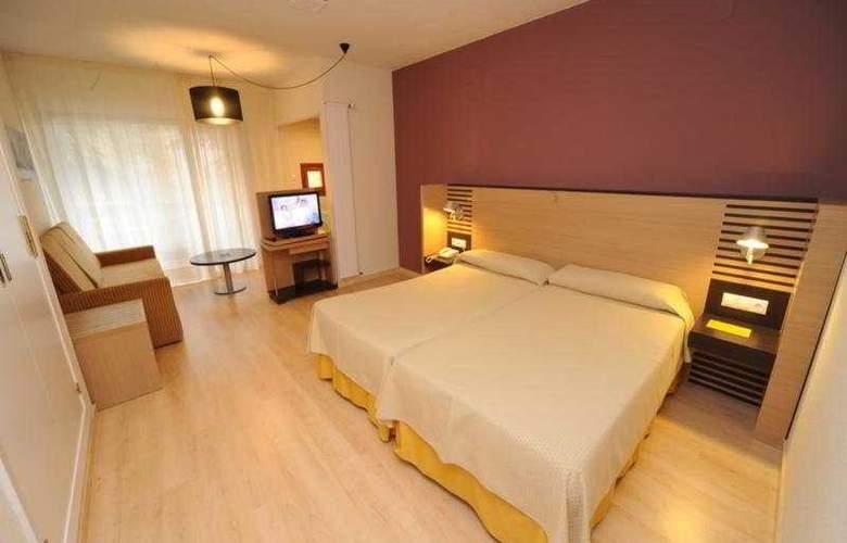 Oroel - Room - 3