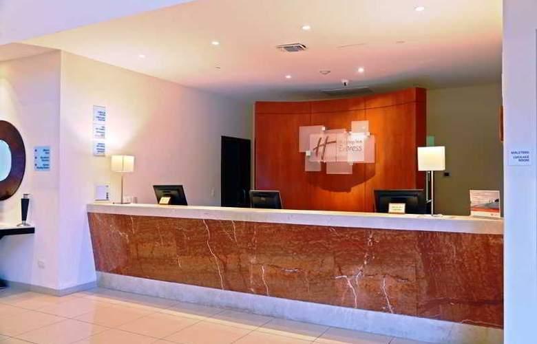 Holiday Inn Express Playacar - General - 22