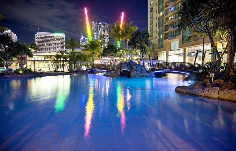 Mantra Crown Towers - Pool - 3