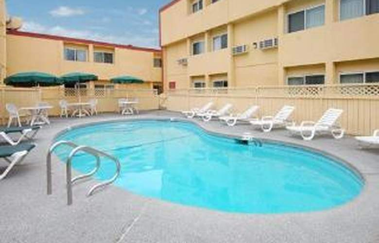 Clarion - Pool - 6