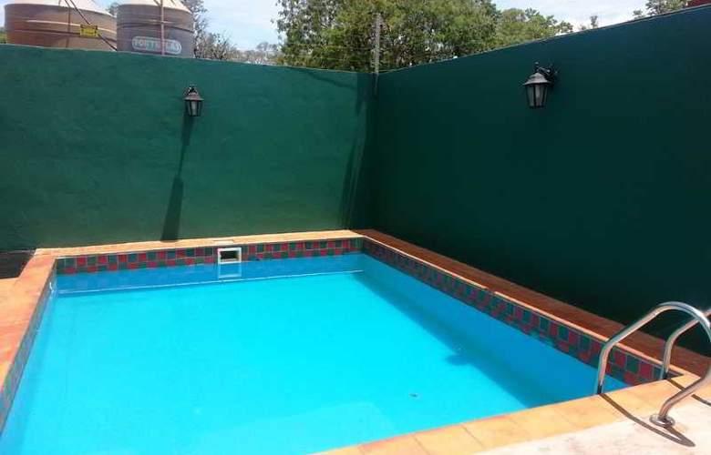 Terra Iguazu Apart Hotel - Pool - 2
