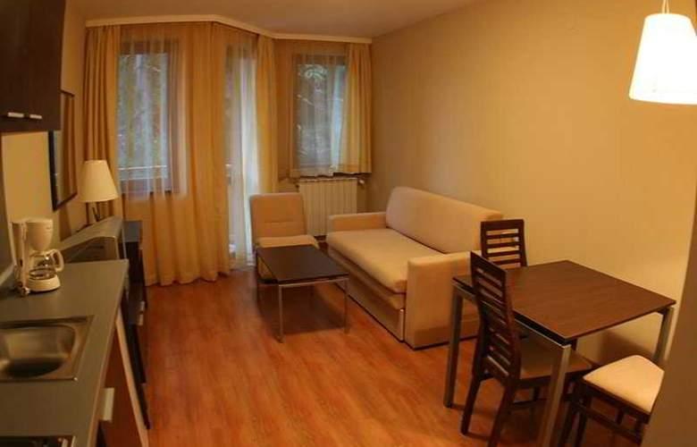 Villa Park - Room - 2