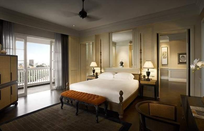 Eastern and Oriental Hotel Penang - Room - 10