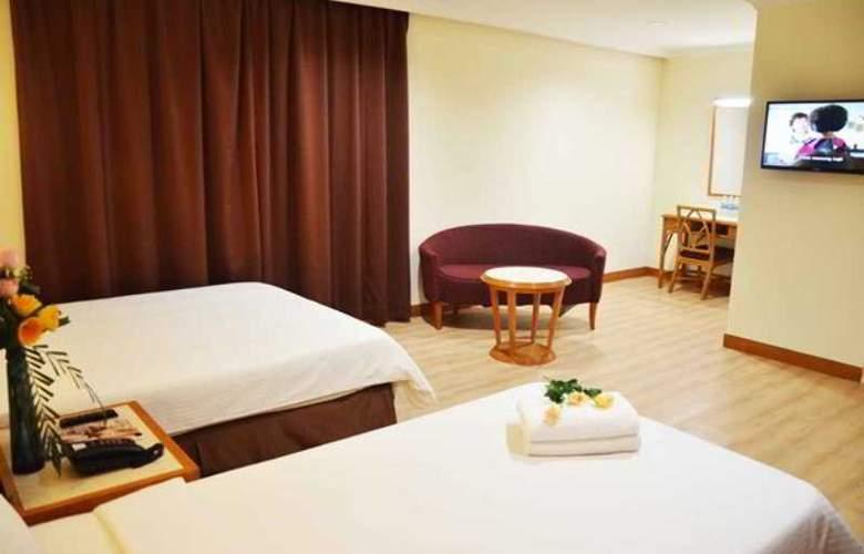Corona Inn - Room - 9
