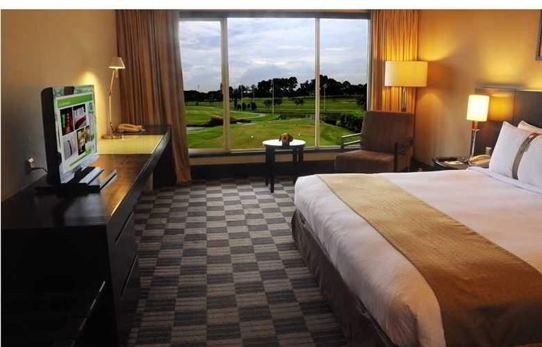 Holiday Inn Kuala Lumpur Glenmarie - Room - 9